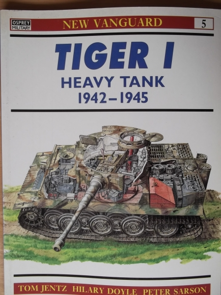 005. TIGER I HEAVY TANK 1942-1945