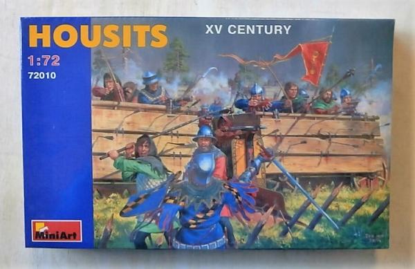 XV Century Mini Art Plastics Housits