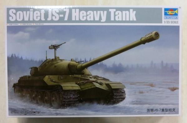 Neu Trumpeter 05586-1:35 Soviet JS-7 Tank