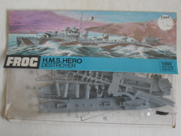 F124F HMS HERO 1/500  BAGGED VERSION