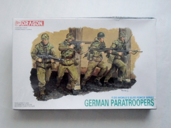 3021 GERMAN PARATROOPERS