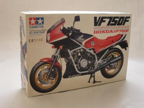 Tamiya Honda Vf750f 1:12 Model Plastic Kit