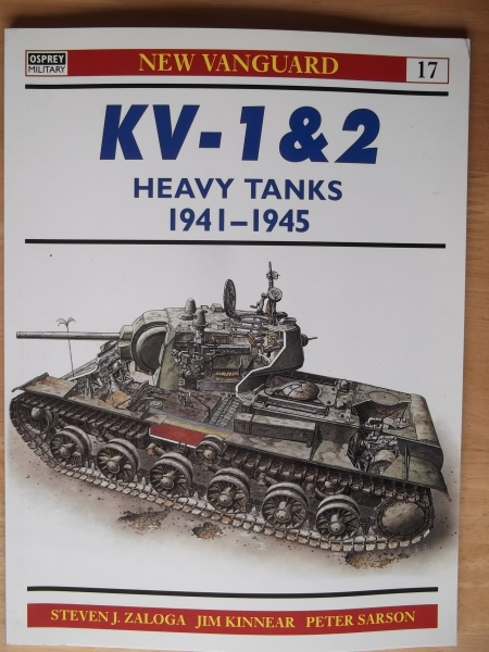 017. KV-1   2 HEAVY TANKS 1941-1945