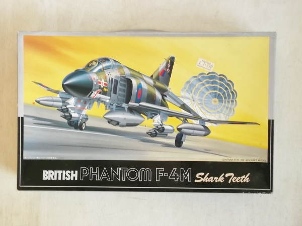 H-9 BRITISH PHANTOM F-4M SHARK TEETH