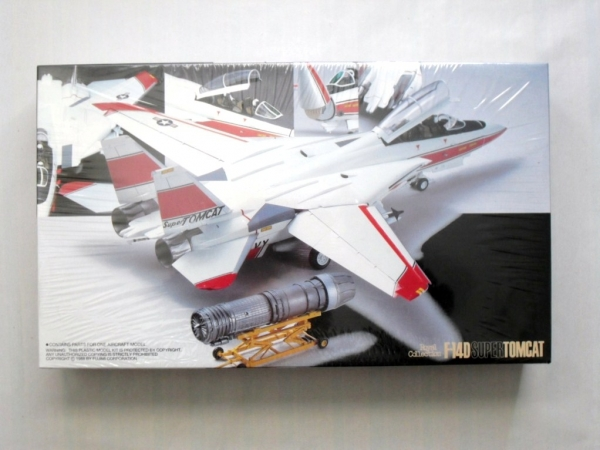 34002 F-14D SUPER TOMCAT ROYAL COLLECTION