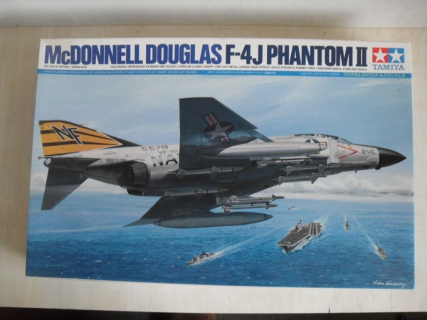 60306 McDONNELL DOUGLAS F-4J PHANTOM II  UK SALE ONLY
