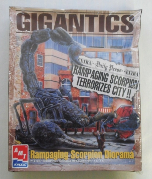 AMT/ERTL OTHER SCALE 8390 GIGANTICS - RAMPAGING