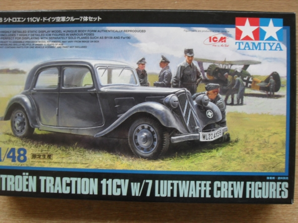 89731 CITROEN TRACTION 11CV W/ LUFTWAFFE FIGS