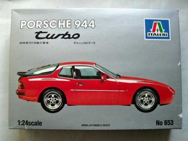 Italeri 124 653 Porsche 944 Turbo Model Kit