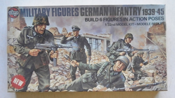 03582 GERMAN INFANTRY 1939-45  6 FIGURES