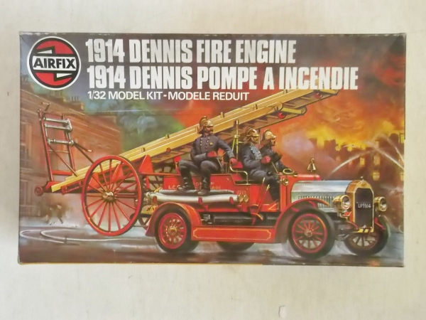 06442 DENNIS FIRE ENGINE
