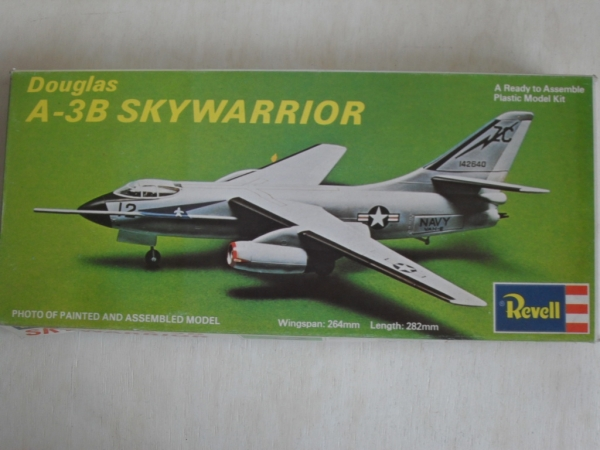 H256 DOUGLAS A-3B SKYWARRIOR