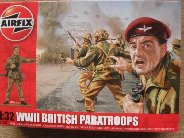 02701 WWII BRITISH PARATROOPS