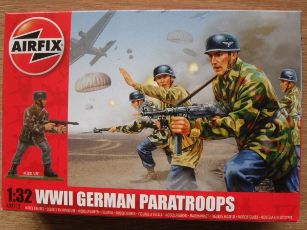 02712 WWII GERMAN PARATROOPS