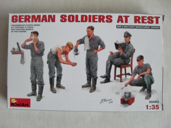 35062 GERMAN SOLDIERS AT REST
