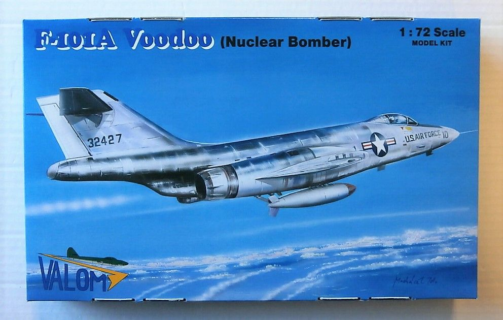 72124 F-101A VODOO  NUCLEAR BOMBER