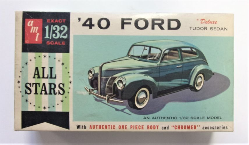 AMT 1/32 7240 40 FORD TUDOR SEDAN