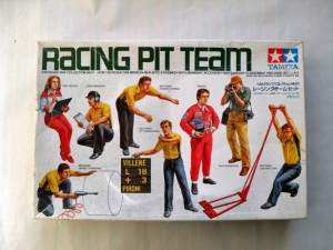 TAMIYA 1/20 20011 RACING PIT TEAM