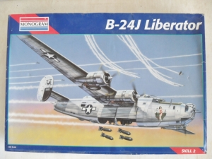 MONOGRAM 1/48 5608 B-24J LIBERATOR