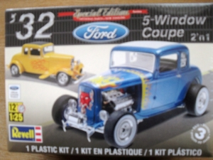 REVELL 1/25 4228 32 FORD 5 WINDOW COUPE