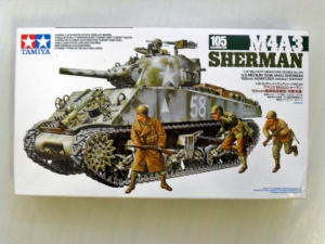 TAMIYA 1/35 35251 M4A3 SHERMAN WITH 105mm