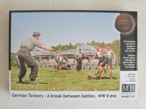 MASTERBOX 1/35 35149 GERMAN TANKERS- A BREAK BETWEEN BATTLES