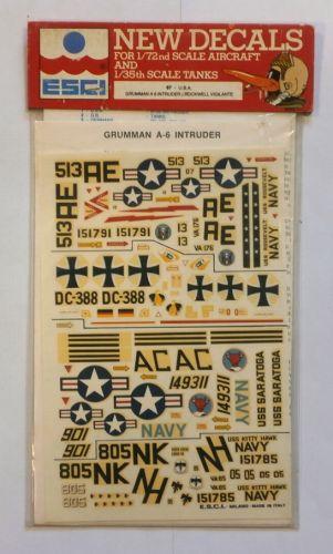 ESCI 1/35 1496. 67 U.S.A GRUMMAN A 6 INTRUDER ROCKWELL VIGILANTE