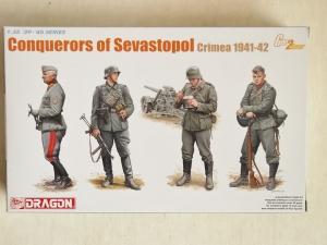 DRAGON 1/35 6702 CONQUERORS OF SEVASTOPOL CRIMEA 1941-42
