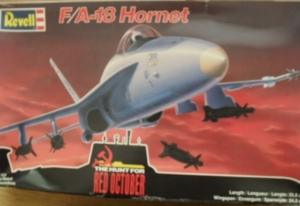 REVELL 1/48 4587 F/A-18 HORNET RED OCTOBER