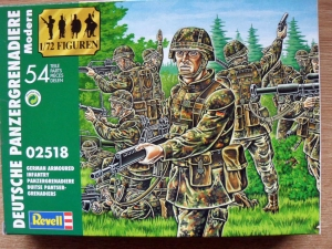 REVELL 1/72 02518 MODERN GERMAN ARMOURED INFANTRY