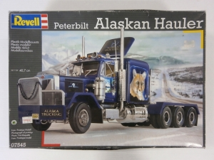 REVELL 1/25 07545 PETERBILT ALASKAN HAULER  UK SALE ONLY