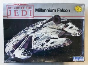 MPC  8917 MILLENNIUM FALCON