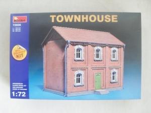 MINIART 1/72 72026 TOWN HOUSE