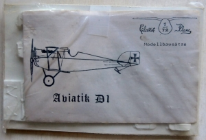 CLASSIC PLANE 1/72 AVIATIK D1