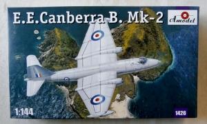 A MODEL 1/144 1426 E.E. CANBERRA B. Mk.2