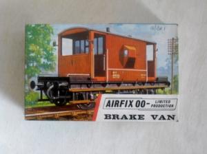 AIRFIX OO R4 BRAKE VAN