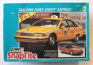 REVELL 1/25 6294 TAXI/FIRE CHIEF CHEVY CAPRICE