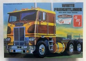 AMT 1/25 620 WHITE FREIGHTLINER