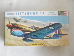 REVELL 1/72 H623SFB CURTISS KITTYHAWK 1A P-40E