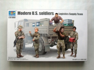 TRUMPETER 1/35 00429 MODERN U.S. SOLDIERS LOGISTIC SUPPORT