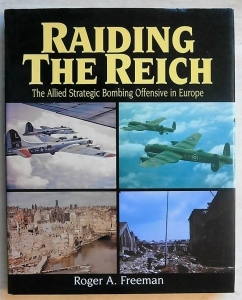 CHEAP BOOKS  ZB461 RAIDING THE REICH