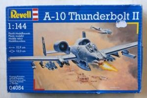 REVELL 1/144 04054 FAIRCHILD A-10A THUNDERBOLT II