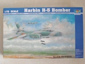TRUMPETER 1/72 01603 HARBIN H-5 BOMBER
