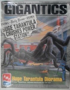 AMT/ERTL  8391 GIGANTICS - HUGE TARANTULA DIORAMA