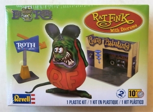 REVELL 1/25 6732 RAT FINK WITH DIORAMA