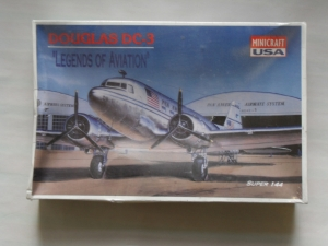 MINICRAFT 1/144 4434 DOUGLAS DC-3 PAN AM