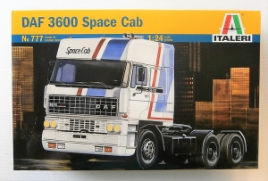 ITALERI 1/24 777 DAF 3600 SPACE CAB