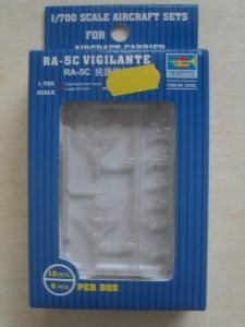 TRUMPETER 1/700 03420 RA-5C VIGILANTE