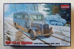 RODEN 1/35 807 OPEL 3.6-47 OMNIBUS MODEL W39 LUDEWIG-BUILT EARLY