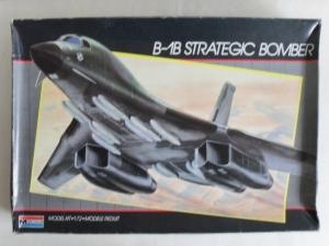 MONOGRAM 1/72 5606 B-1B STRATEGIC BOMBER